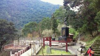 20120118_40烏来_台湾高砂義勇隊戦没英霊記念碑.jpg